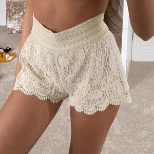 TopShop Crochet Lace Shorts Cream Size 10